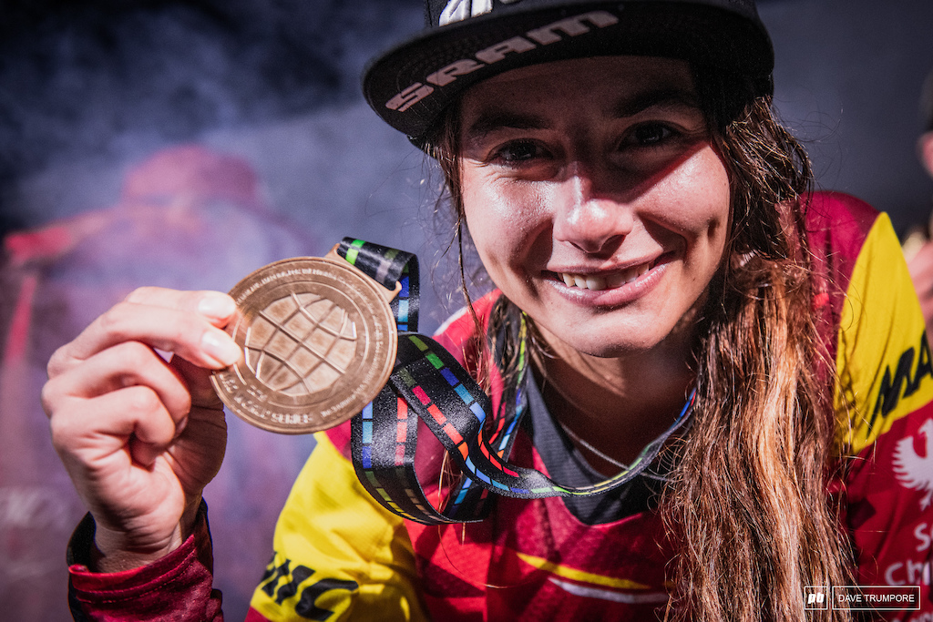 Isabeau Courdurier had the perfect golden season winning all 8 rounds and the overall title