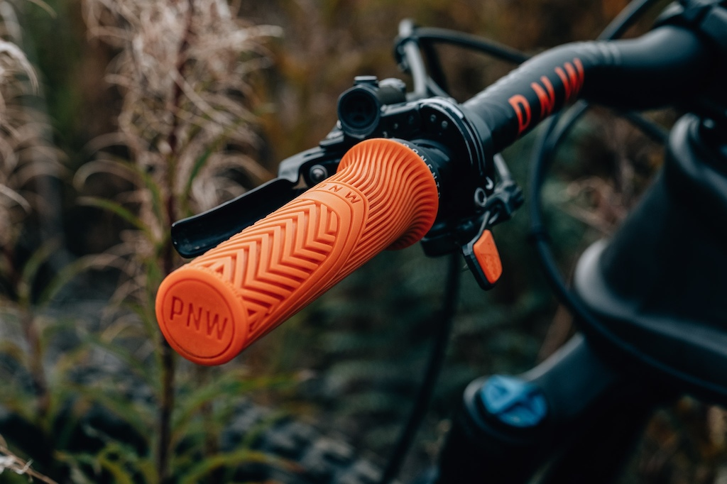 Introducing the PNW Components Loam Grip We packed this grip full of features like an ultra tacky compound and ergonomic pattern to support your palms and help relieve any fatigue caused by trail chatter. Check out the Loam Grip on our website at http bit.ly PNW-Loam-Grips
