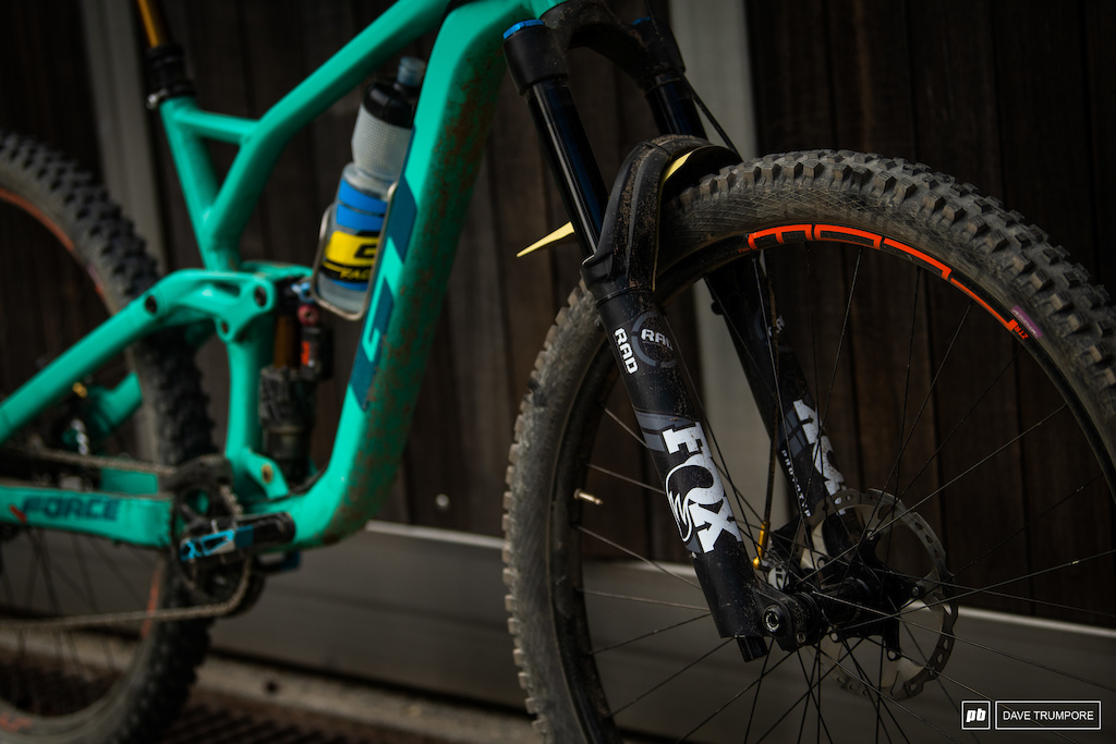Martin Maes GT - Prototype Fox RAD fork that looks to be a 38 rather than a 36