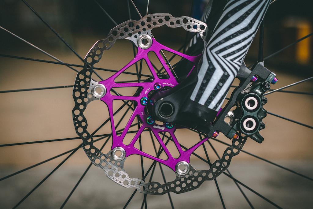 Hope Tech rotors and Magura MT7 brakes of 80 s Santa Cruz Hightower Dream Enduro MTB by rie sel design