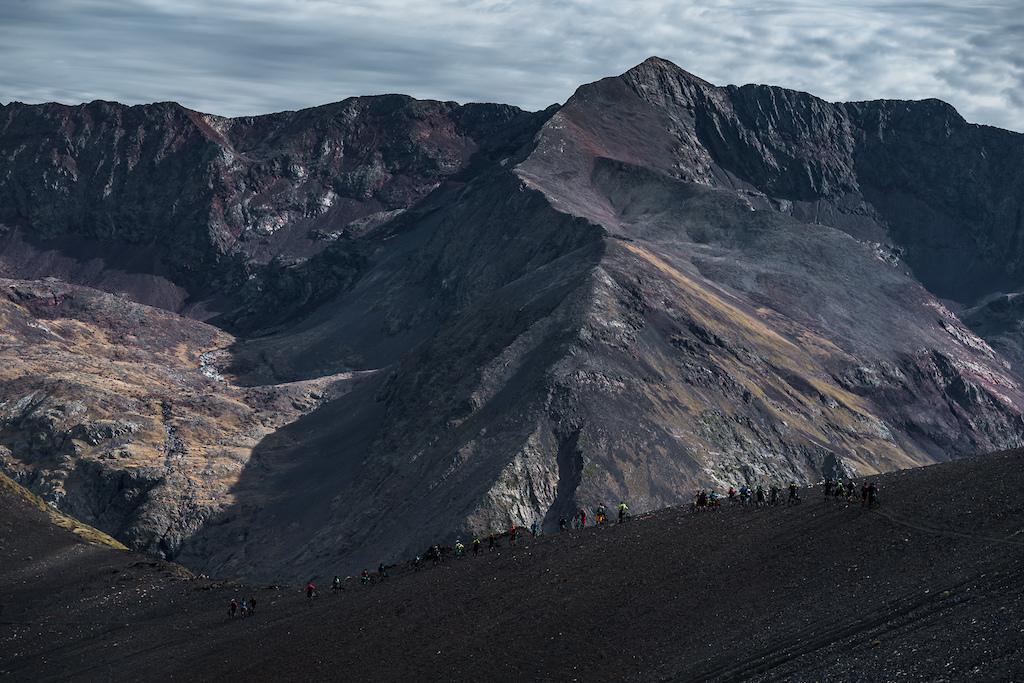 Black mountain tops with amazing rock. Photo by Juanjo Otazu de indomitvisual