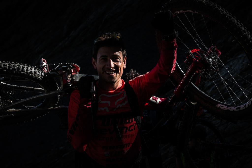Damien Oton smiling all week and pushing hard. Photo by Juanjo Otazu de indomitvisual