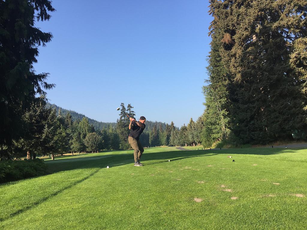 Jordie Lunn golfing