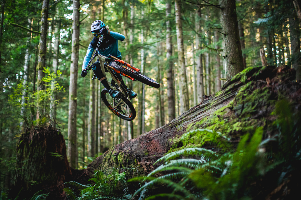 Cody Kelley flew out to the PNW to join us in filming his second PNW Components video. Day 3 of filming was a long one and ended with a quick lap at Tokul East on Cazy Ivan. Photo by Trevor Lyden