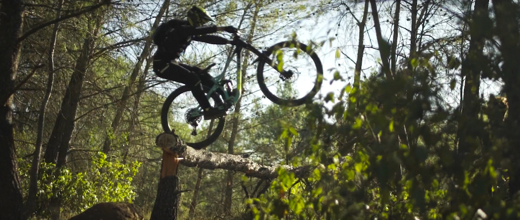Trial part riding