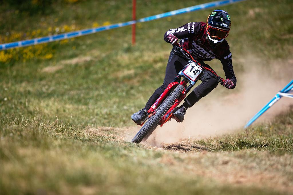 Downhill World Cup Les Gets. Photo Ale Di Lullo