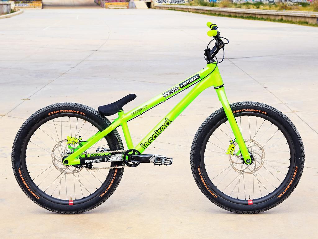 Duncan Shaw s Inspired Fourplay Team 24 bike.