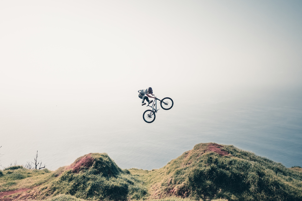 No foot cancan in front of the sea on the deathgrip line by Maxime Rambaud