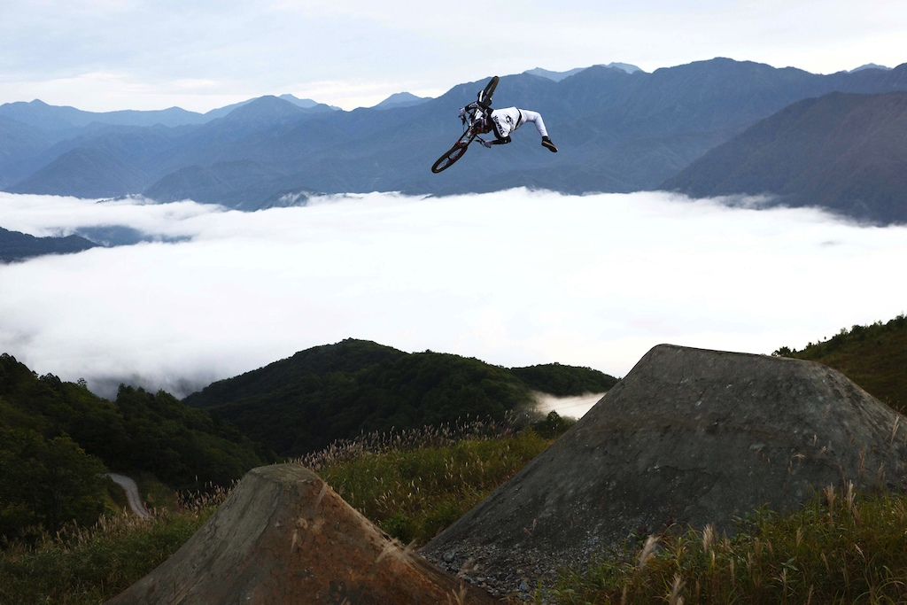 360 Nac over the Japanese Alps