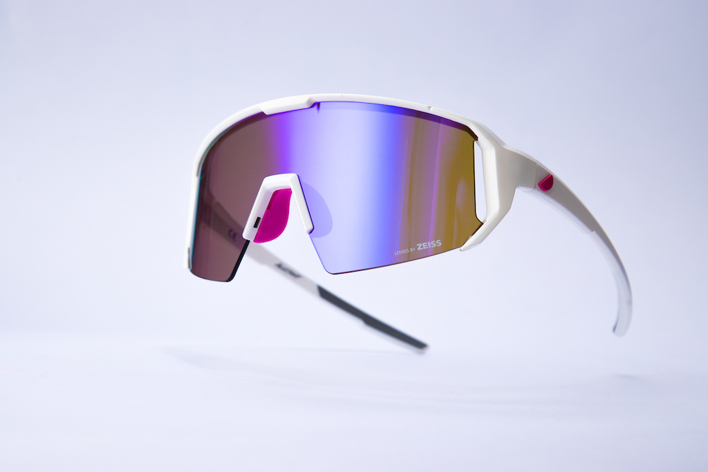 Melon Alleycat white with violet lens pink icon and pink nose piece