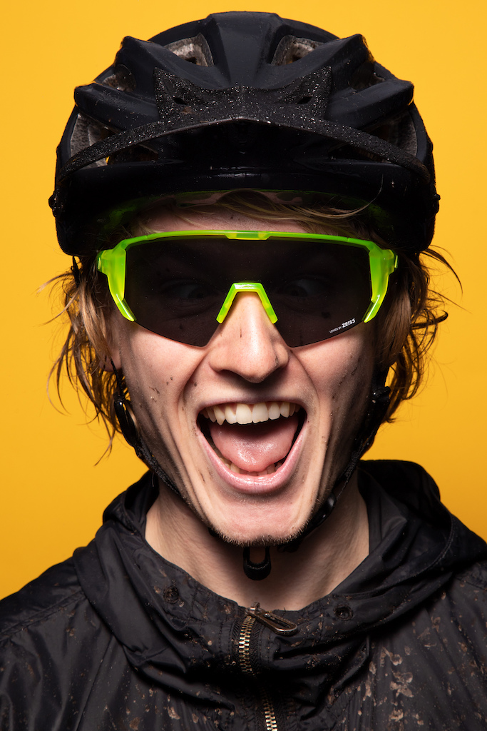 Melon Alleycat in neon yellow with smoke lens on rider