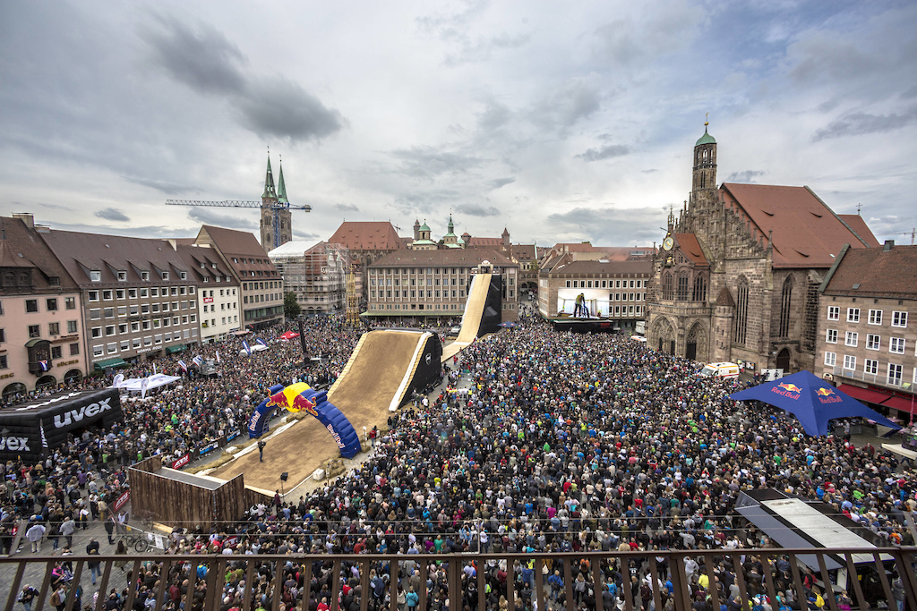 Overview during the Red Bull District Ride 2017 in Nuremberg Germany on Saturday September 2nd 2017 Flo Hagena Red Bull Content Pool AP-1T3XUZJ692111 Usage for editorial use only