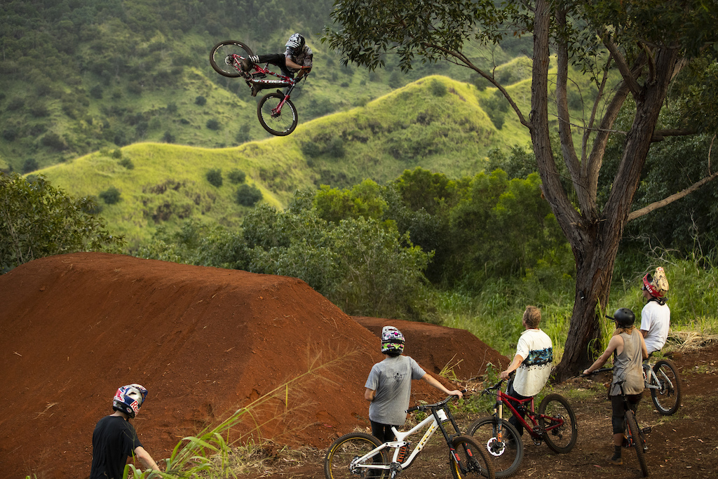 Ryan Howard airs over Thomas Genon Reed Boggs Matt Hunter Ben Byers and Brett Rheeder during filming of Oahu segment of Anthill s Return to Earth Hawaii
