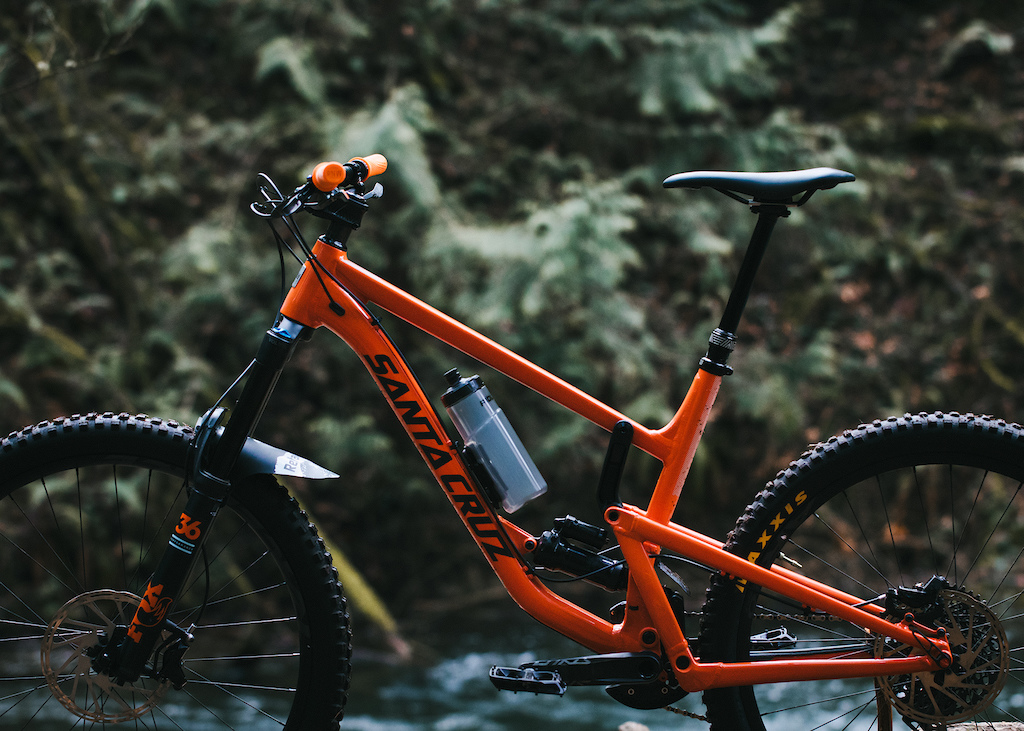 PNW Components Introduces the redesigned Rainier Dropper Post. The third generation of the Rainier Dropper Post maintains the consistency and reliability that the Rainier is known for while focusing on fitting more bikes and providing refined adjustability for the rider.