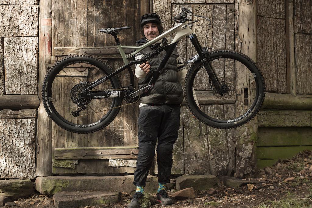 Photo Jelle Harnisfeger Bike - Cannondale Jekyll freeduro