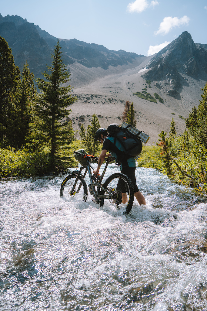 A 4-day bikepacking trip in the South Chilcotins.