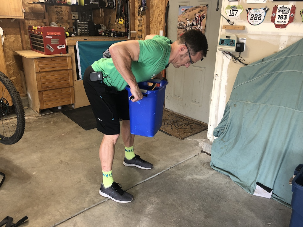 Bucket bent over row with handlebar