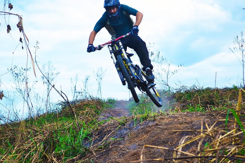 Start trail - triple jump
