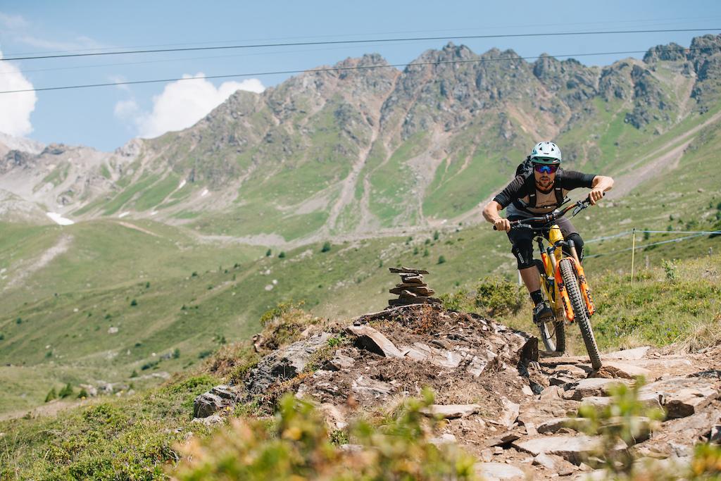 Enduro Allmountain Bike Mountainbike Trail Scharmoin Trail Copyright Samantha Saskia Dugon