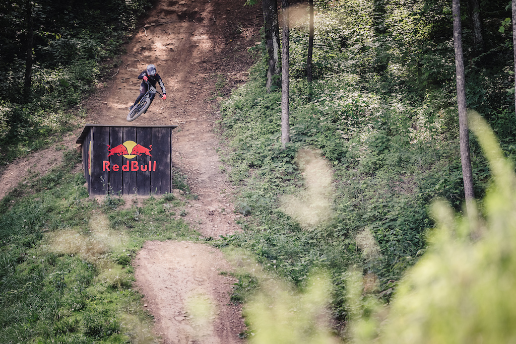 Seth races the GNCC eMTB series and is always a consitent threat this weekend he is in the Single Crown class this weekend.