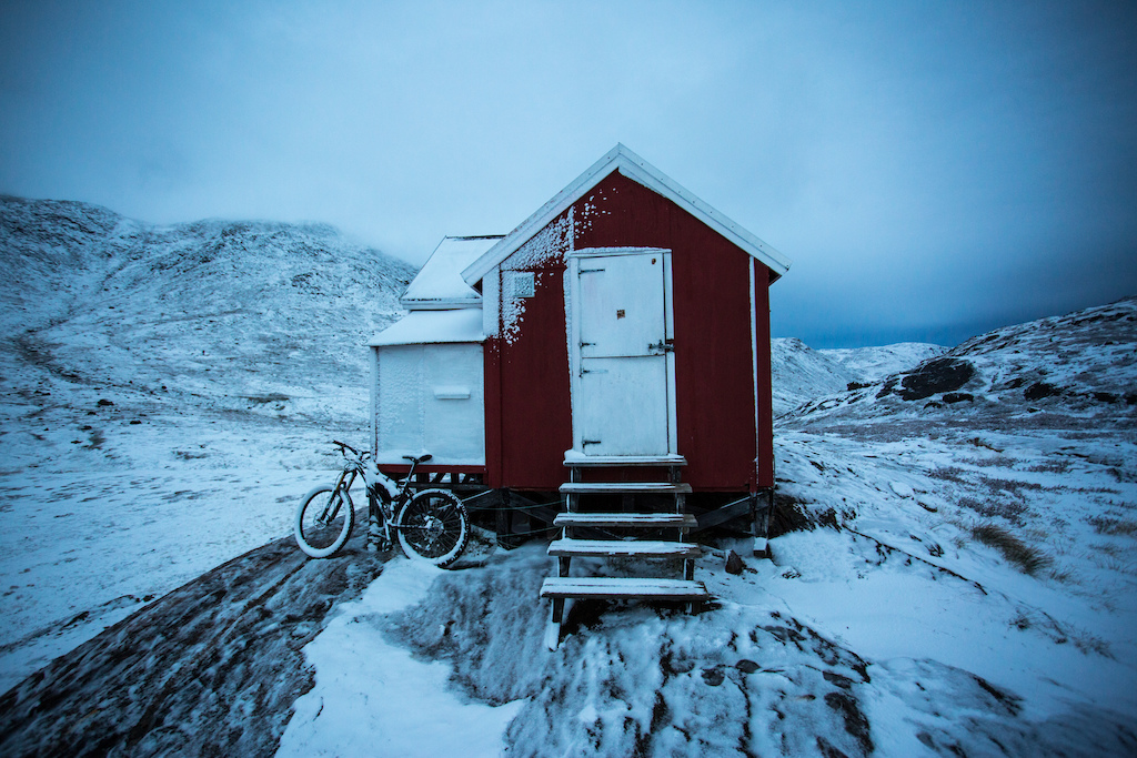 Snowy morning on the Arctic Circle Trail