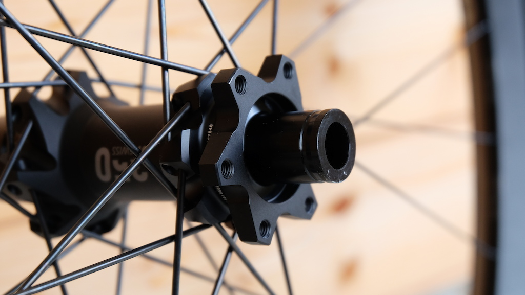 DT Swiss 1501 Spline ONE 1700 Spline Wheelsets