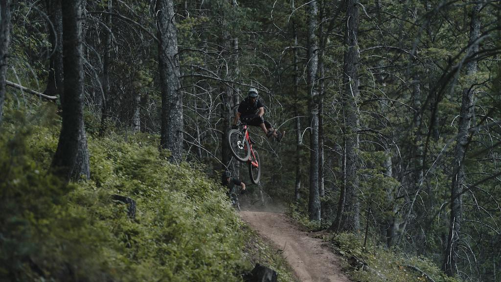 Kurtis Downs showing the agility of the new Fezzari Delano Peak.