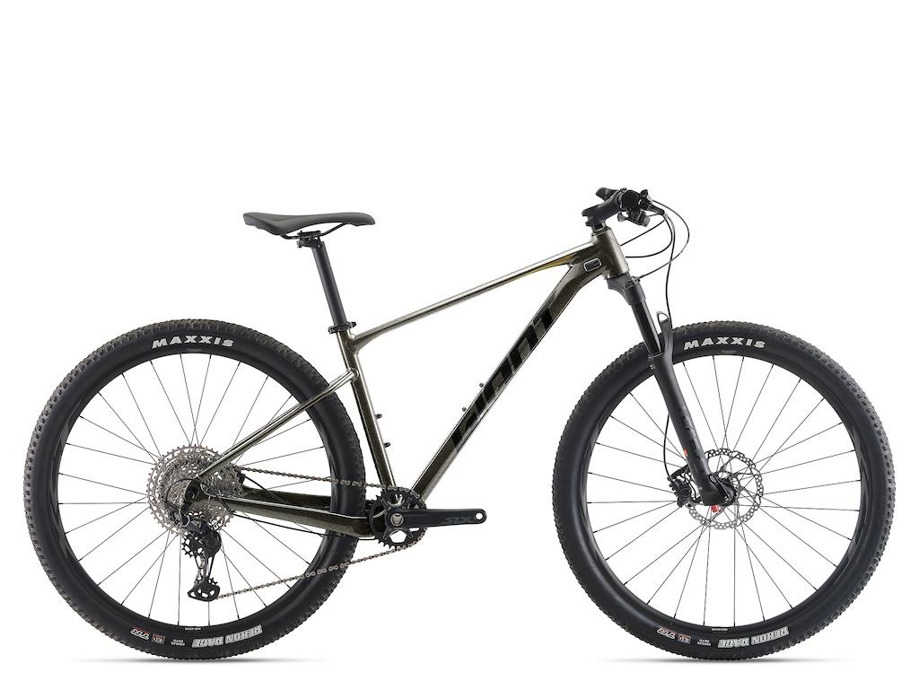 2021 Giant XTC SLR 1 in Metallic Black