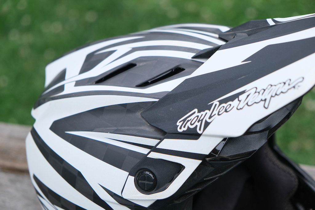 Troy Lee Designs D4 review