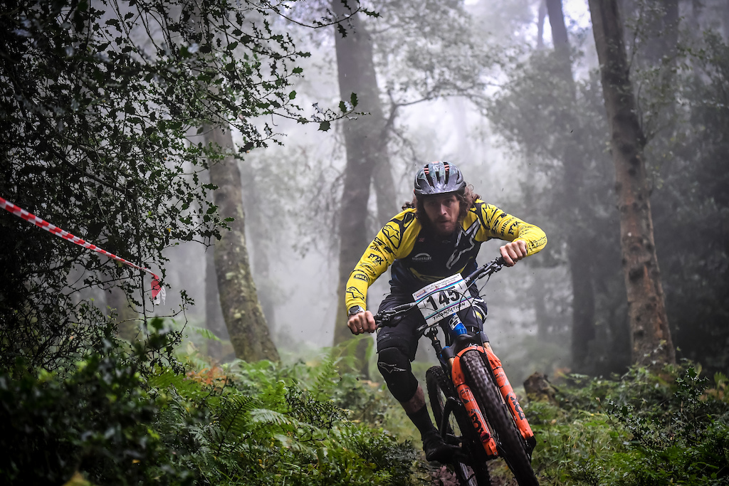 Wyn found himself in the masters class without an elite category at this years race with everyone wanting to chase down the World Cup Pro-rider