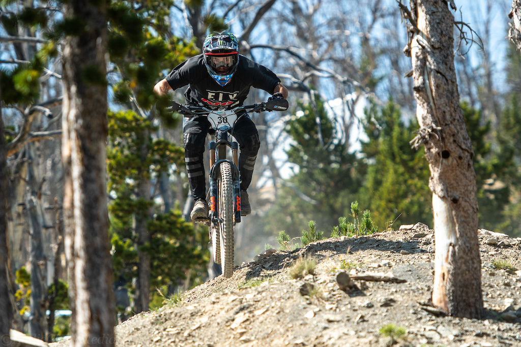 Nik Nestoroff of KHS bikes was another big winner for the weekend by locking in a solid 7th overall for a first real foray into enduro racing.