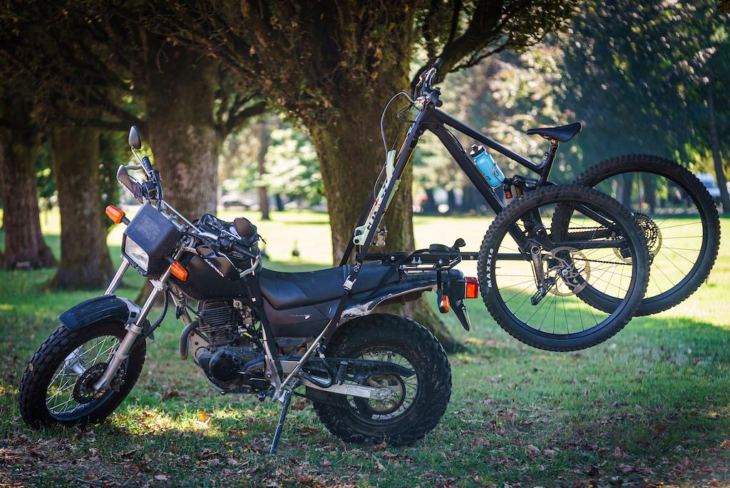 Across The Pond Beaver 2x2 Cycles Rack