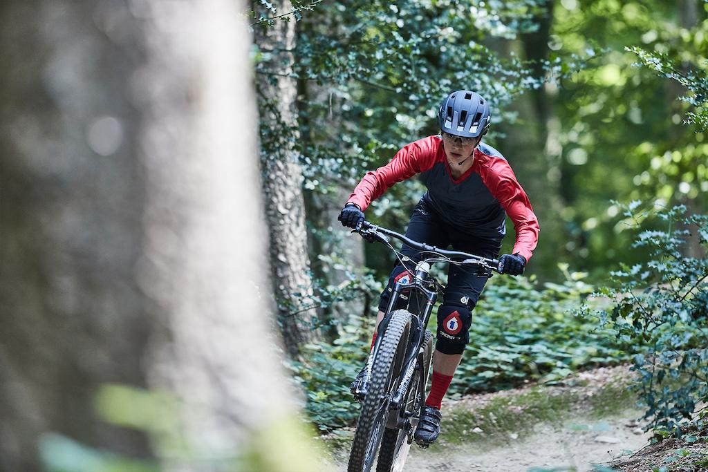 Eline Nijhuis sending it for the first Dutch mountainbike film, 'On Dutch Ground'.