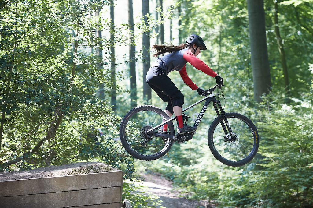 Eline Nijhuis sending it for the first Dutch mountainbike film On Dutch Ground .