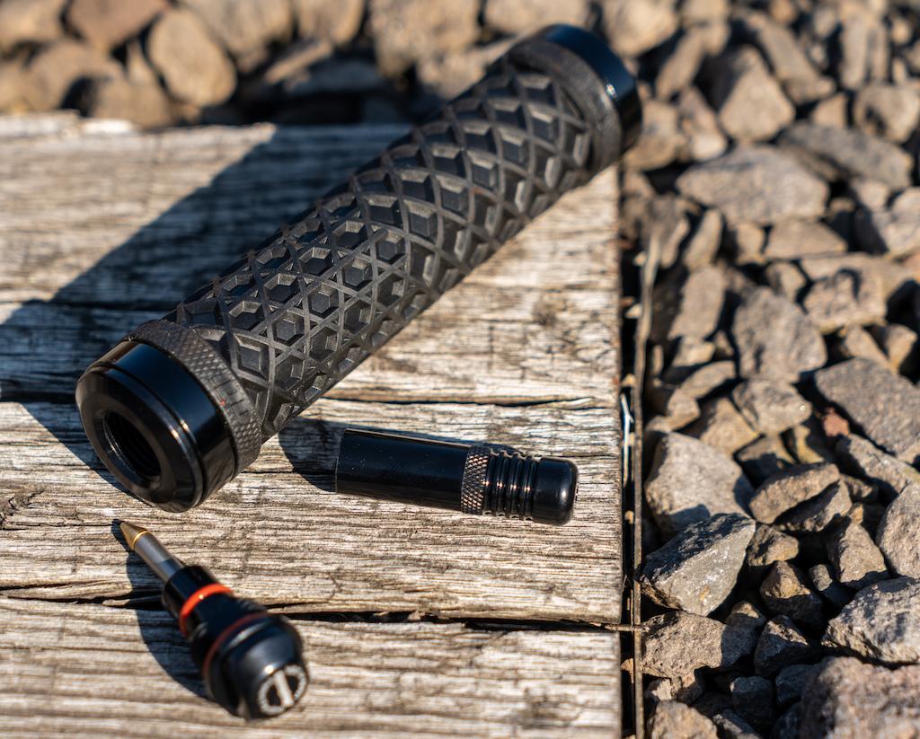 L'outil Dynaplug Covert Tire Plug Tool