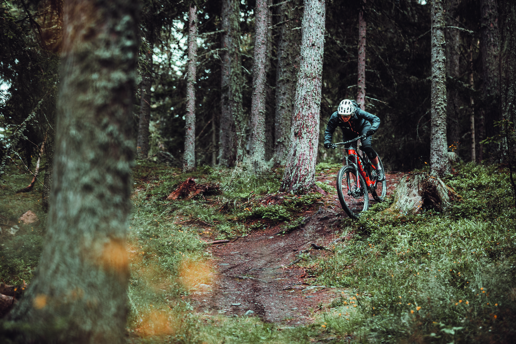 There are some awesome trails which lead to the cabin in Moosalp.