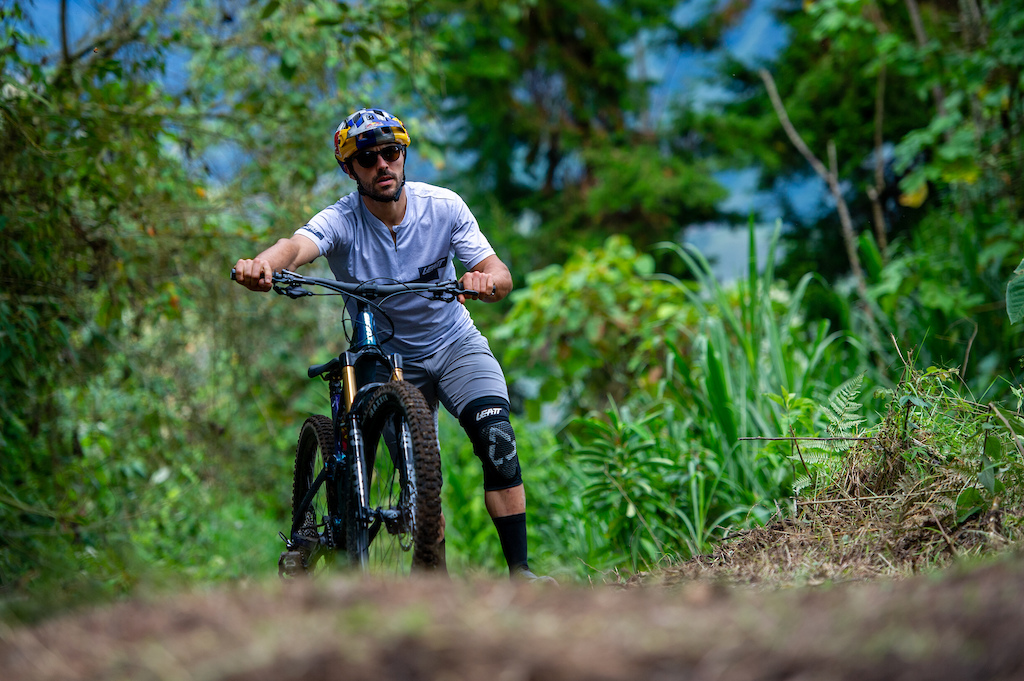 Marcelo Guti rrez with his Trance X 29 Advanced Pro 0 bike