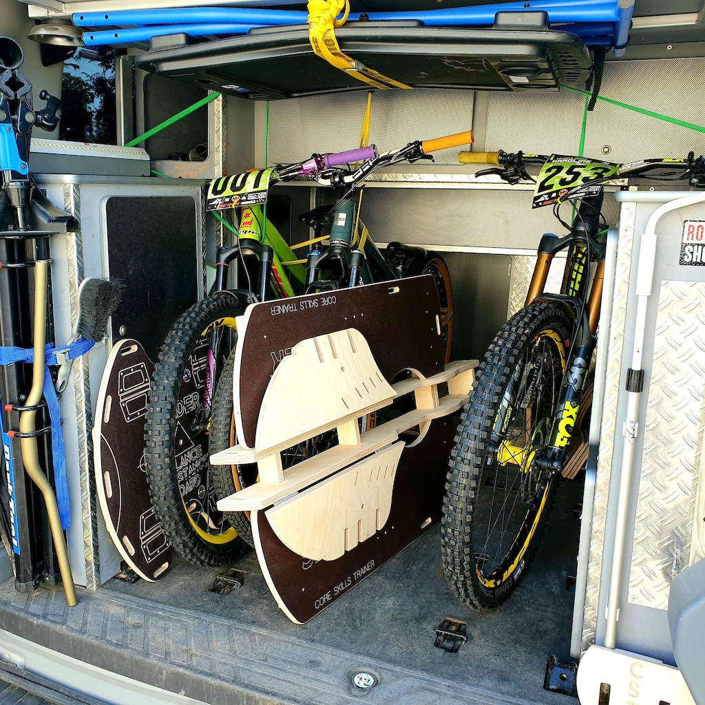 Foldable sidewalls for easy packing and transport Fits almost every trunk