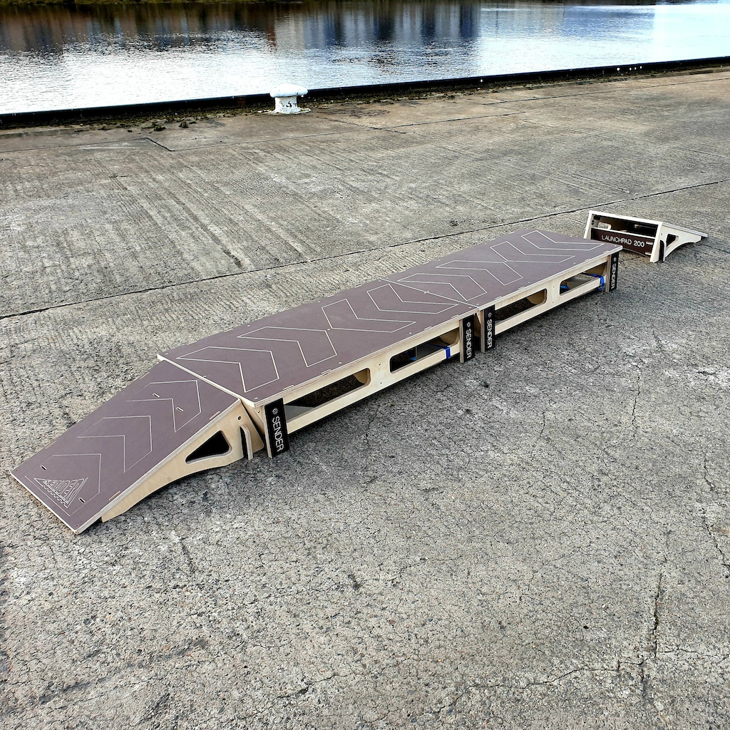 Straight ramps to table tops are a great way to introduce beginners into balance and spacial awareness.