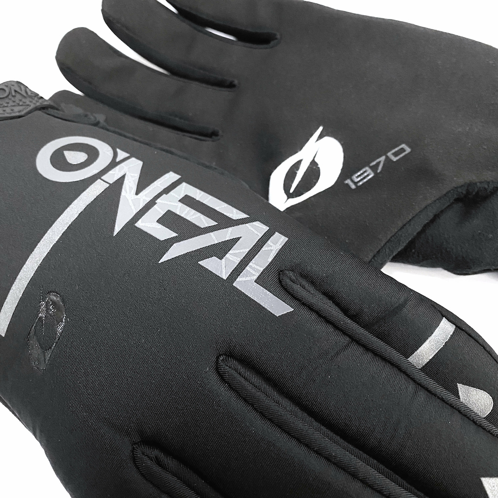 Our new WINTER WP and WINTER Gloves offer maximum protection from the elements both warmth and water-resistance and water-proof protection.
