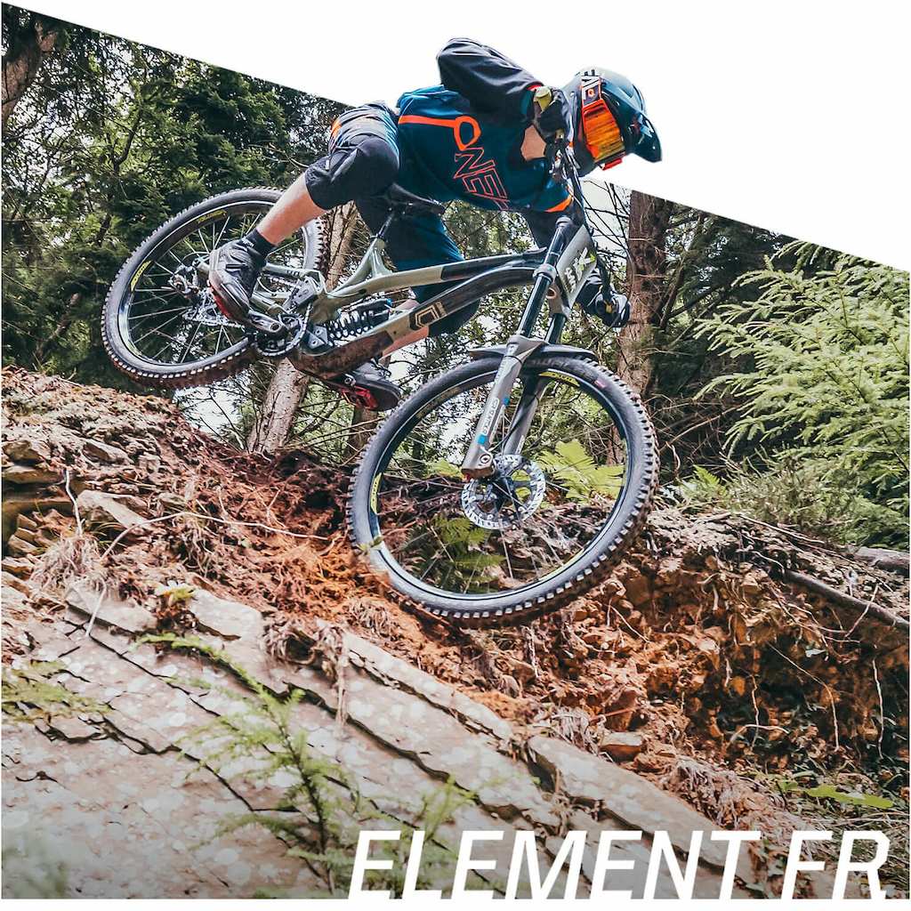 Our ELEMENT FR line sees new fresh graphics and colors for 2021 ideally suited for DH and Enduro riding and racing offering protection alongside freedom-of-movement making it the choice of Greg Minnaar for over 6 seasons now.