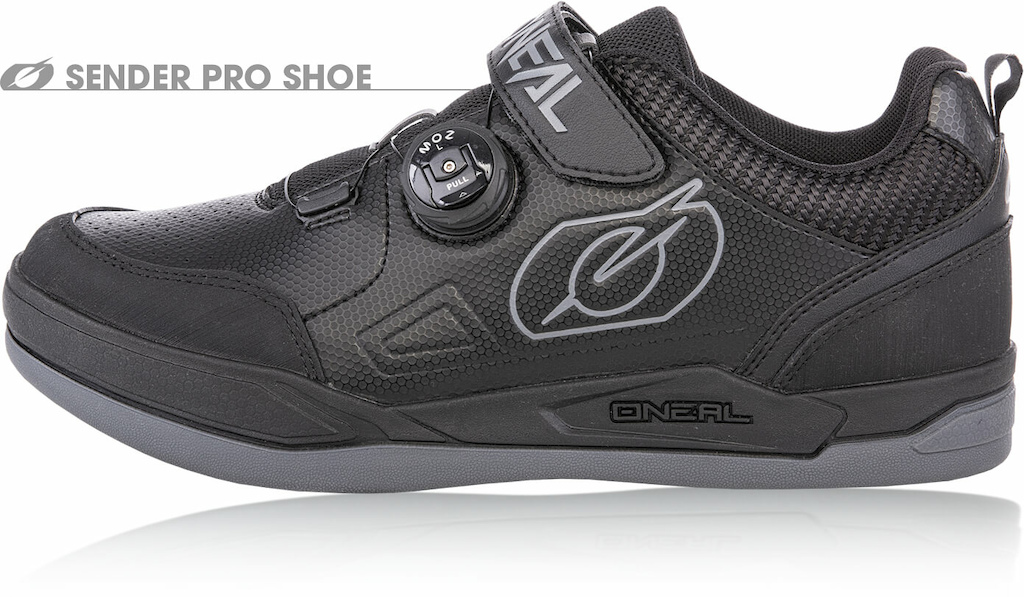 The SENDER PRO Shoe brings our micro-adjust ratchet lacing system to a flat shoe for the first time. We ve often heard riders ask why this lace closure system is often only available on SPD shoes from O Neal and most other brands yet we see at least as many if not more riders wearing flat shoes compared to SPD these days. The SENDER PRO offers all-over protection and the lacing gives the perfect tailored fit and quick-release the perfect all-round race and riding shoe for the serious rider who demands the best.