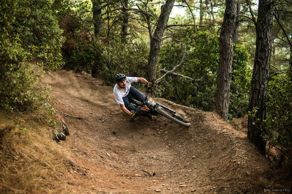 Juice Lubes Home to Roost 2020 Our one and only Home to Roost of 2020 had to be something special and we knew Phil Atwill was the man for the job. Check out the full video at JuiceLubes. Photo by Kat Georgudis.