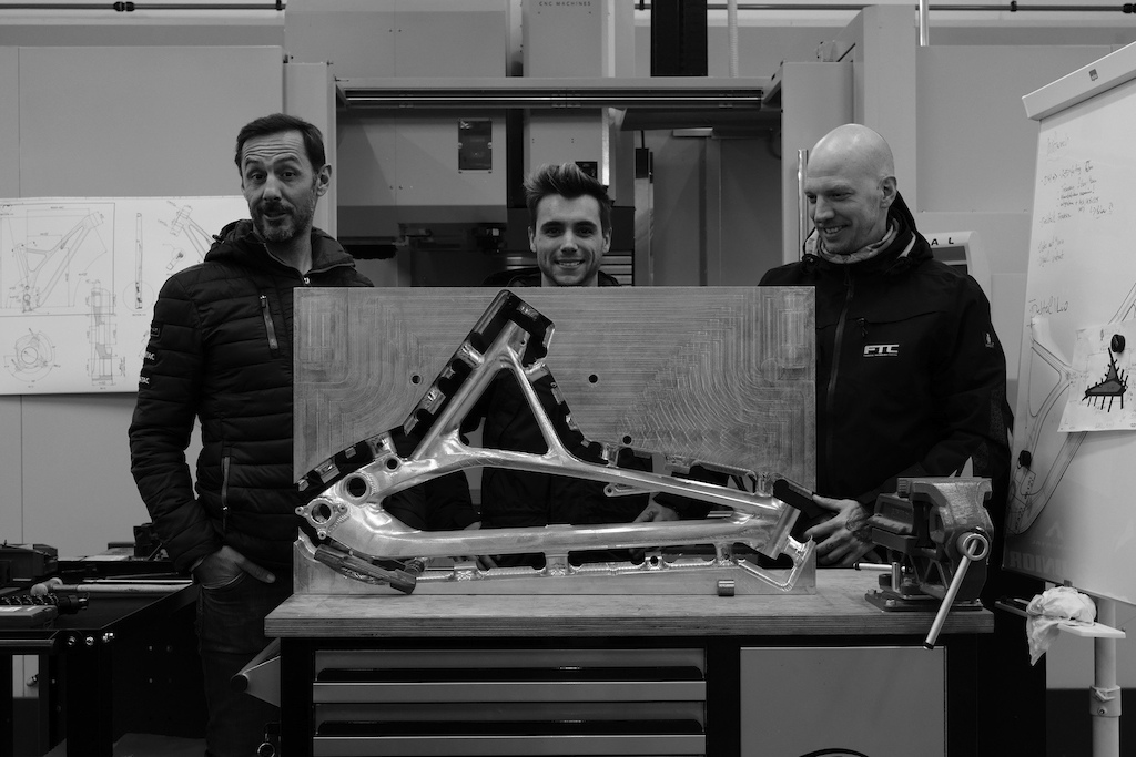 Production Priv e Group B DH prototype