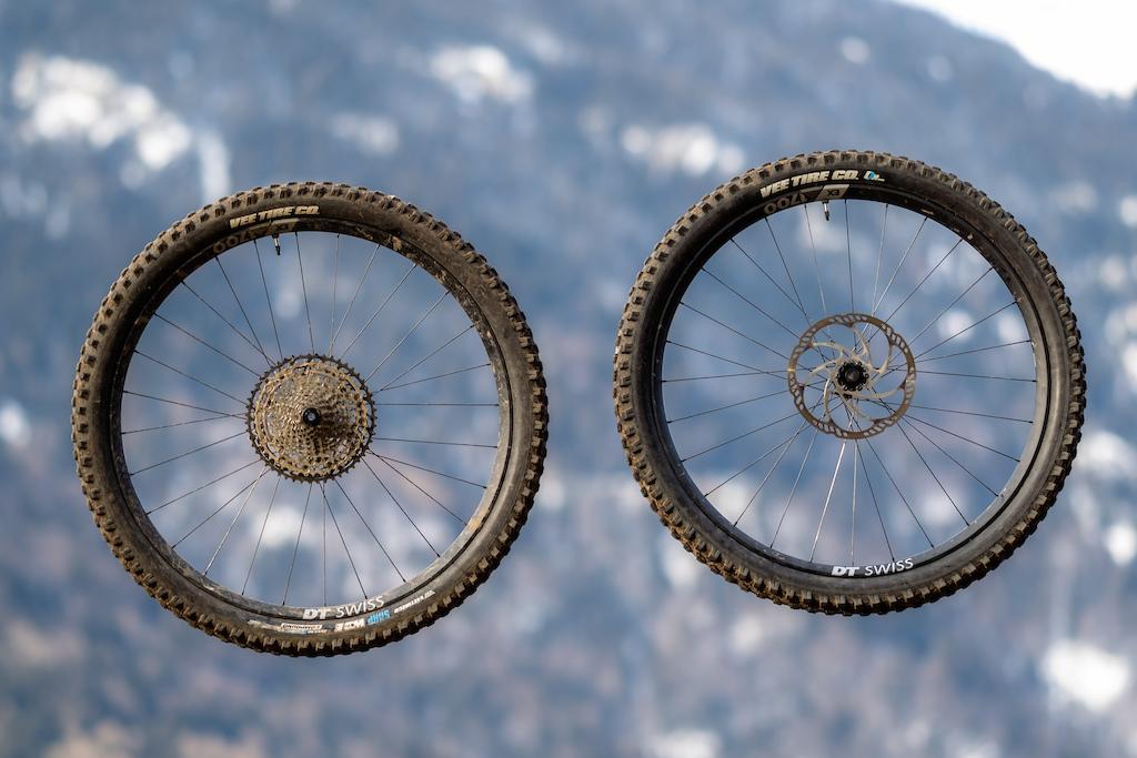 DT Swiss EX 1700 Spline Wheelset Photo Kifcat Shaperideshoot