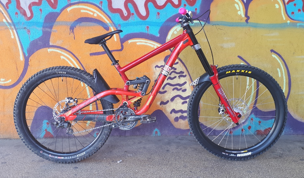 27.5 lower and front wheel