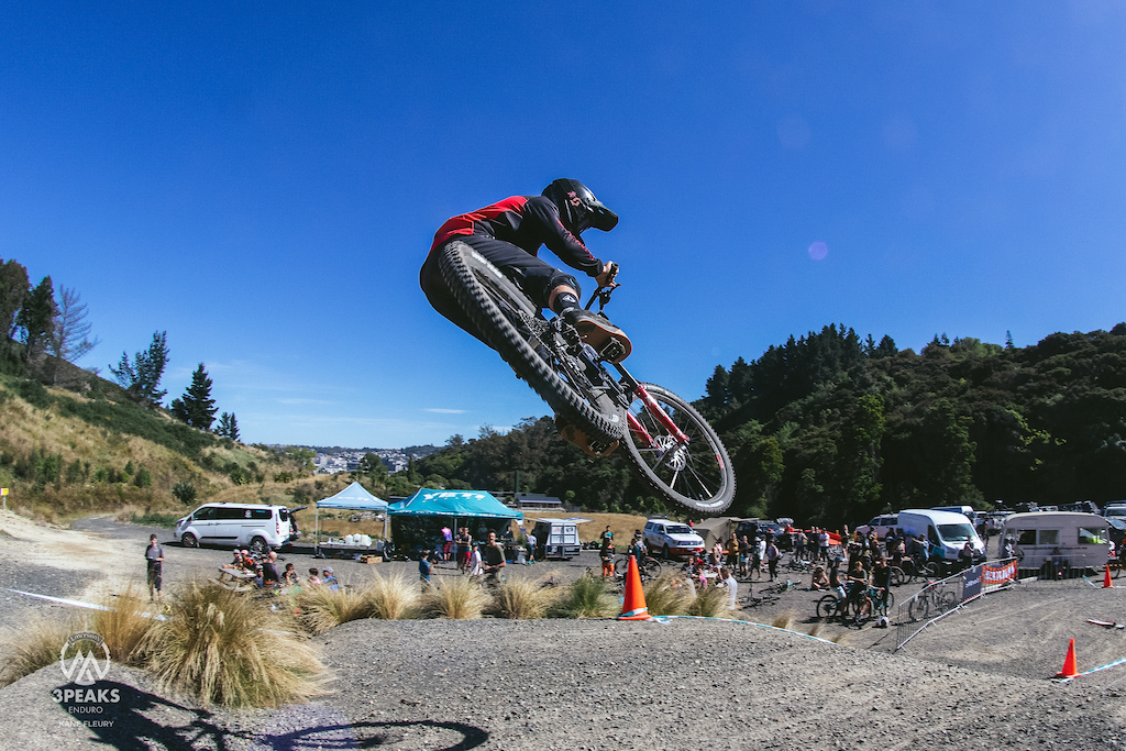 Big whips over the table to finish the weekend from Queenstown local Criag Munro.