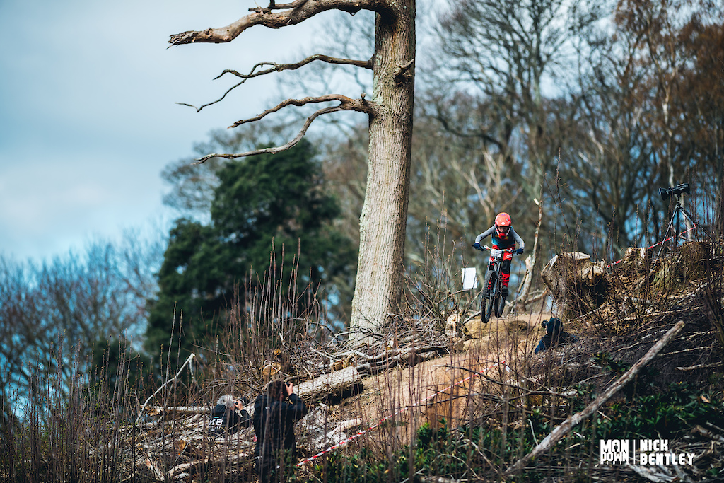 The upper sections of the stages had seen a lot of work from the Southern Enduro crew to change them up. it proved popular with both riders and photographers there was plenty of features to keep riders on their toes.