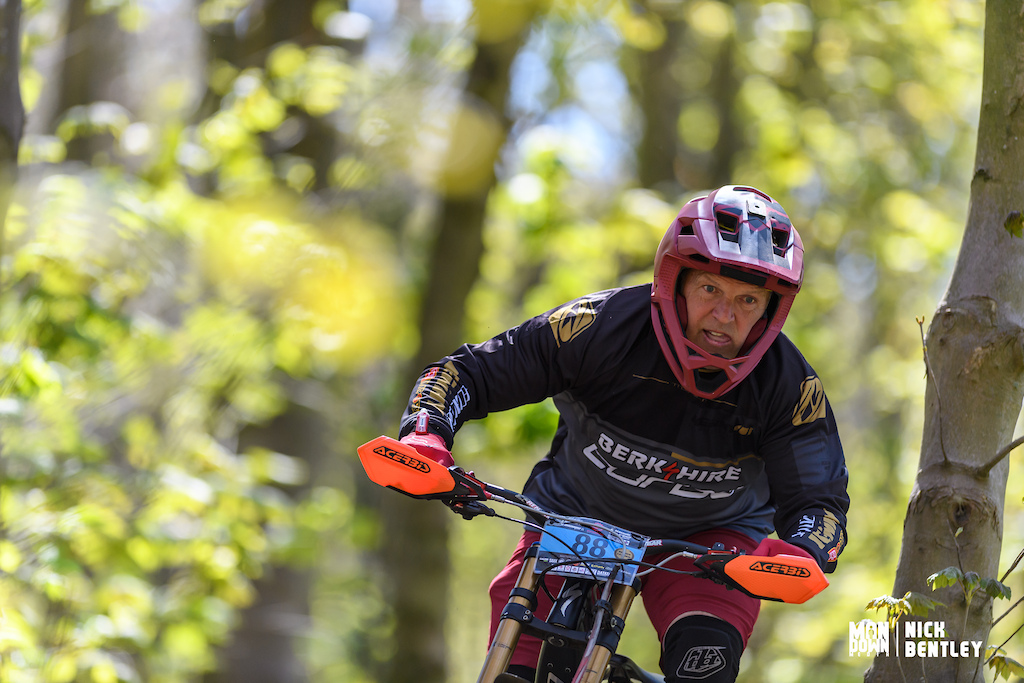 a win today for Allen Craig in the large 50 men s E-bike field. its amazing to see these riders still out there enjoying racing and riding with the assistance of E-bikes with out witch I m sure we wouldn t see as many of these guys out racing.