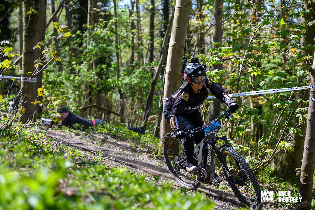 Beth Harris powering her way to the win today in the womens E-bike field. E-bikes only race against other E-bikes